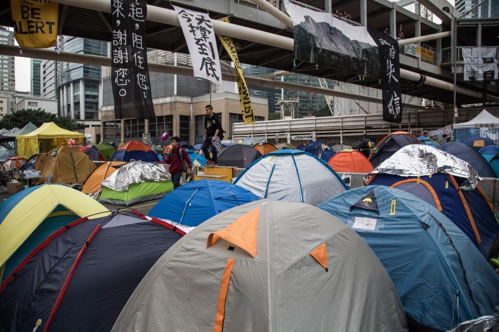 今日香港许多年轻人不满现实,反对特区政府,其中一个很重要的原因就是香港年轻人看不到自己的前途