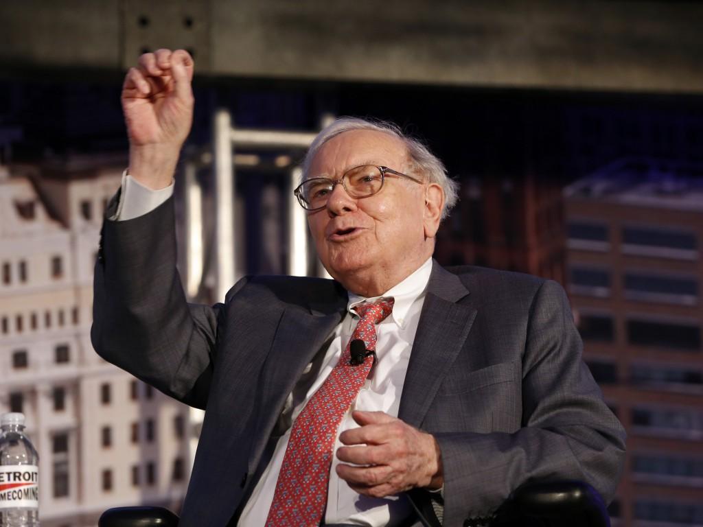 股神巴菲特也说,如果中美真的发生全面贸易战,对全世界都是坏事,因此不太可能演化成全面贸易战。投资者若因为特朗普决定提高中国进口货品关税的新闻而沽售股票,就是愚蠢。 图源:Photographer: Jeff Kowalsky/Bloomberg