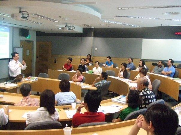萧永杰在培训活动上讲解其系统交易法