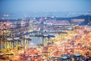 大马东海岸铁路工程动工,承包商是中国交通建设(1800)。有人称之为马来西亚的克拉运河,这会不会影响新加坡海港的地位?