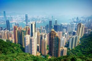 穆迪(Moody's)降低香港主权债务评级,是穆迪在自我毁灭其权威地位。目前香港特区政府是一个钱多到完全不需要发行债券的政府