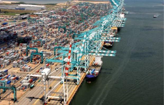 Port terminal - pic
