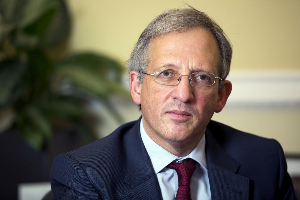 英国中央银行副行长康里夫爵士
