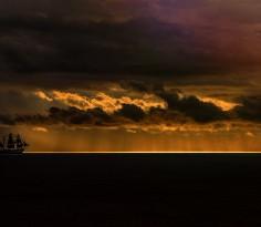 gloomy-sea-sky