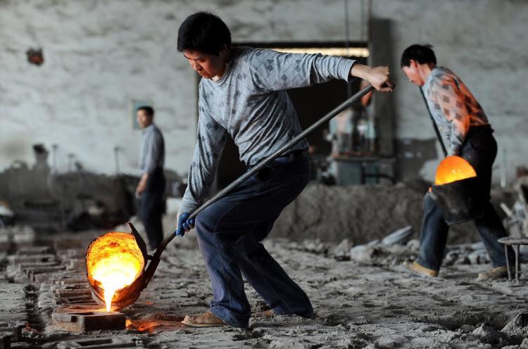 踏入2017年之后,中国经济发展再度加速,过剩产能受到控制。在去产能过程中下岗的工人很快地也投入新的工作岗位、新的行业,而更环保的生产环境与效率也让工人能在更佳的环境中工作
