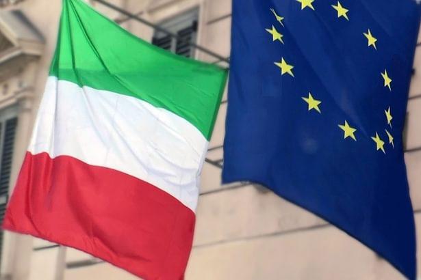 意大利选举后出现一股很强的反欧盟力量,极力主张退出欧元区、退出欧盟。他们认为欧盟已沦为德国的统治区,欧元区的各地政府在财政、发债上有太多限制,不能随心所欲地印钞票